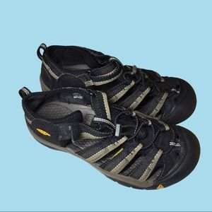 Keen Newport Closed Toe Sandals Hiking Water Shoes
